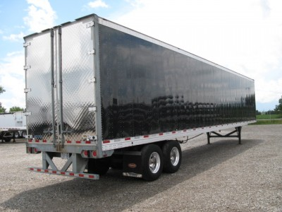 US Trailer Rental Sales Lease and Storage Buys Rents and Repairs All Commercial Trailers Reefers Flatbeds and Dry Vans image_20171206_043847_44