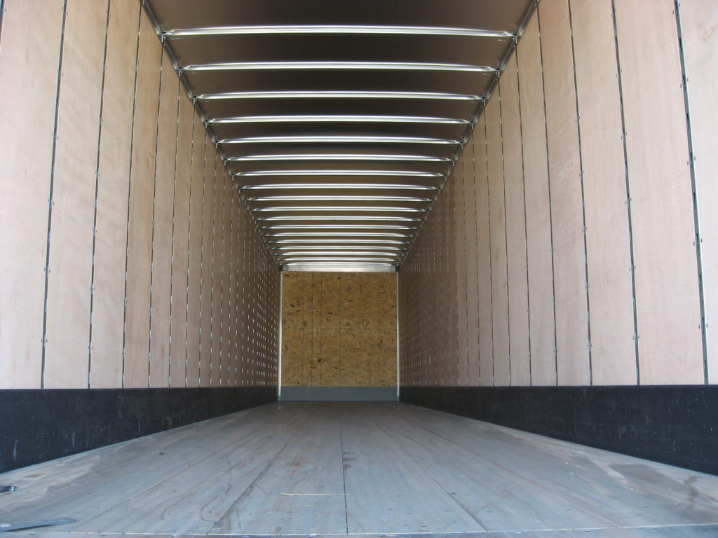US Trailer Rental Sales Lease and Storage Buys Rents and Repairs All Commercial Trailers Reefers Flatbeds and Dry Vans image_20171206_043847_45